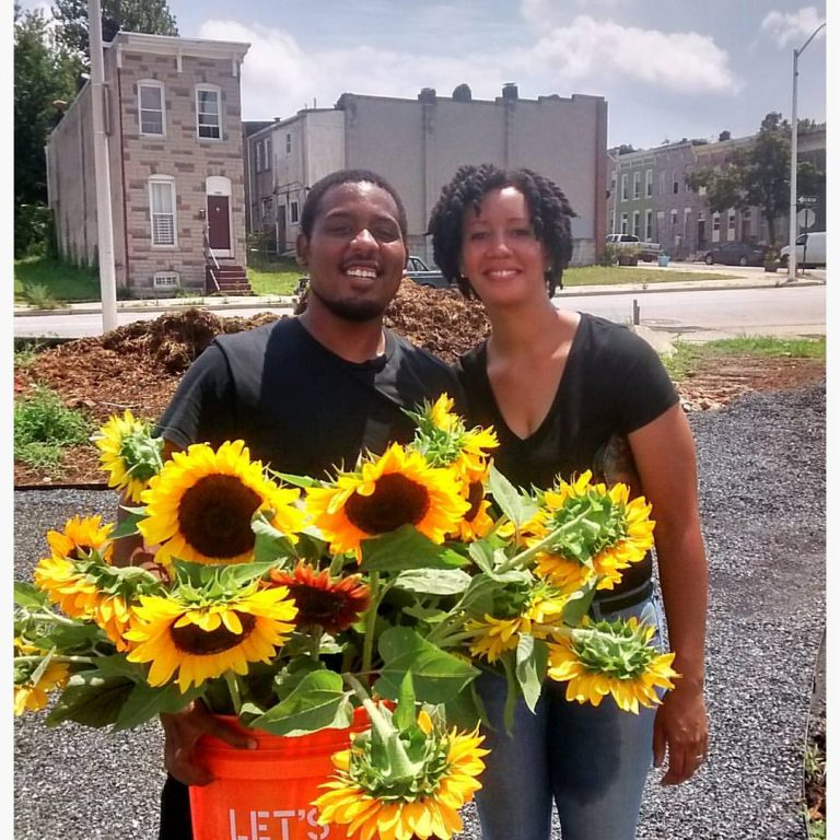 About The Flower Factory USA Store Online flower and gift retailer. The Flower Factory deliver thousands of floral arrangements and gifts every month to satisfied customers across the country.