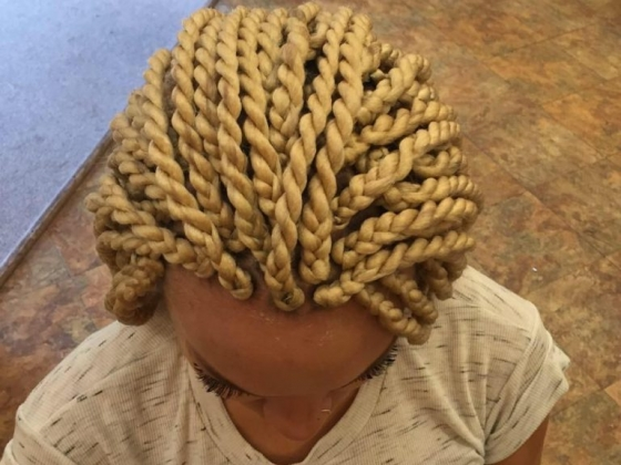 Yandeh Hair Braiding and Weaving Salon