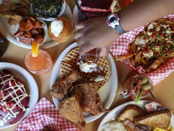 Lo Lo's Chicken & Waffles